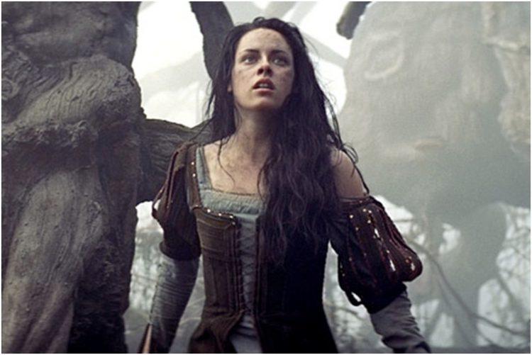 Самоотверженная Кристен в картине «Белоснежка и охотник»
