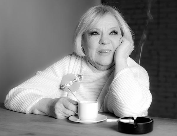 По признанию актрисы она рада, что ни сын, ни внуки не выбрали актерскую профессию
