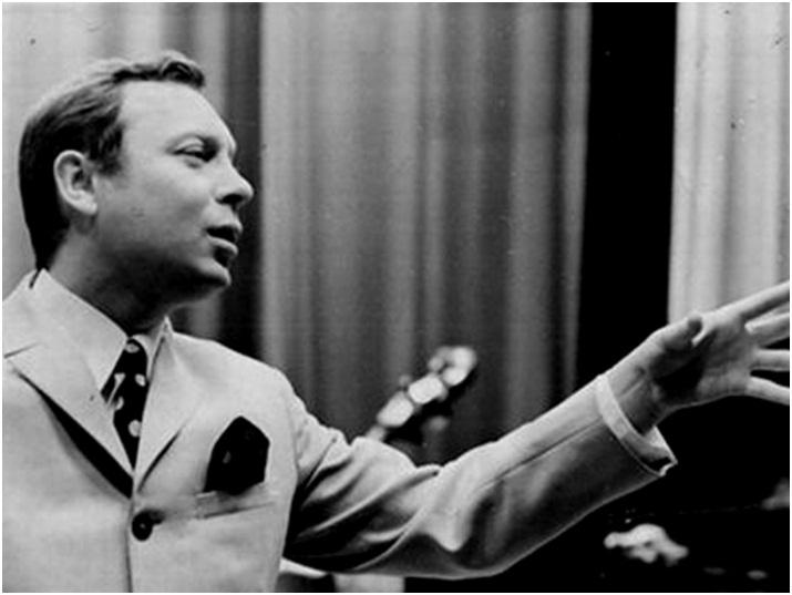 В СССР он удостоился звания заслуженного артиста Марийской АССР, но для публики он стал поистине народным артистом