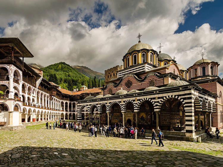 Монастырь имени Святого Иоанна Рыльского в Болгарии