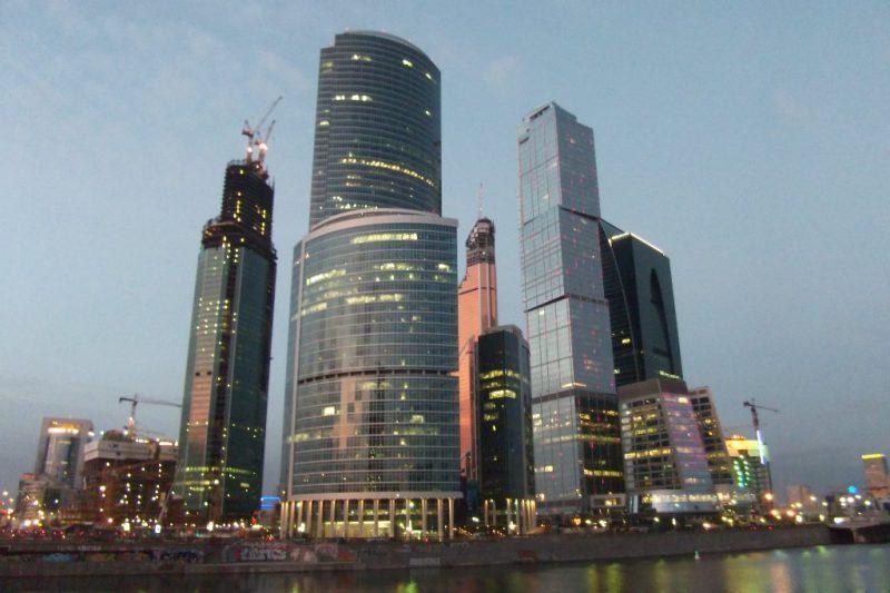 Башня на набережной в Москве