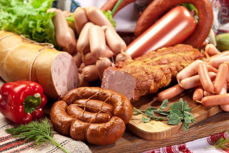 Колбаса и мясо могут вызвать аллергию