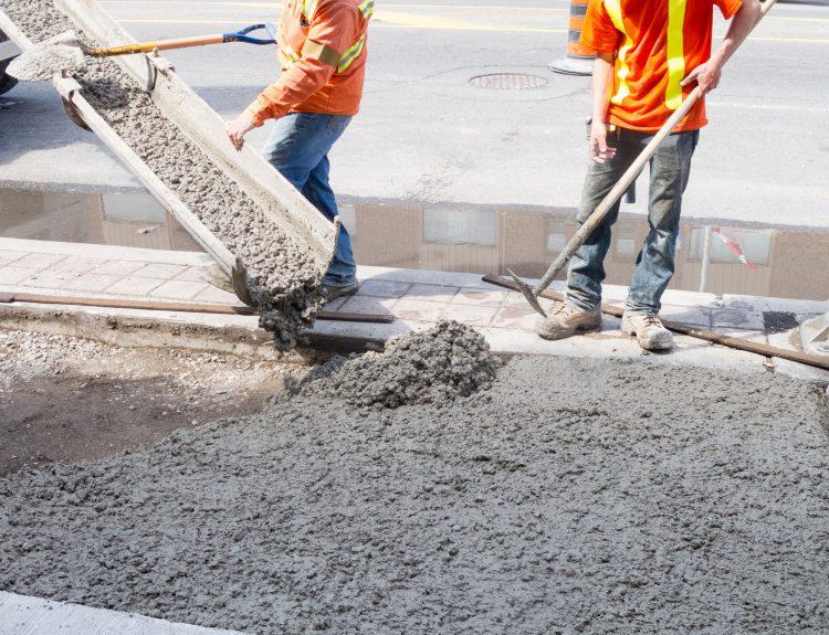 Какие бывают добавки для улучшения цементной смеси