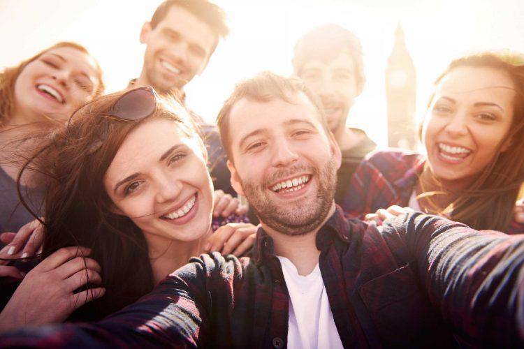 Общение с друзьями защищает от депрессии