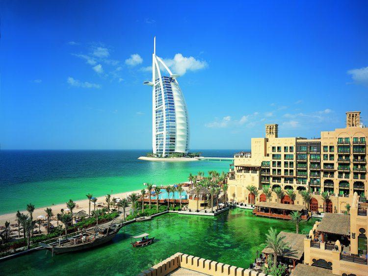 """Отель """"Парус"""" в Дубае"""