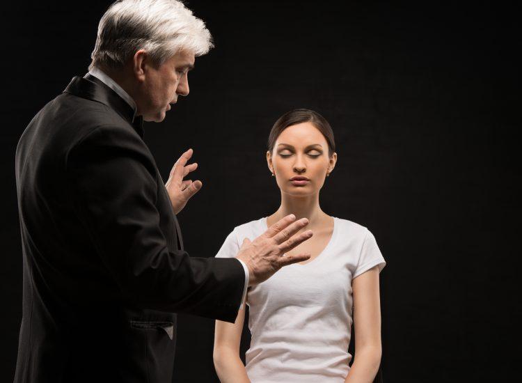 Как лечат гипнозом психотерапевты