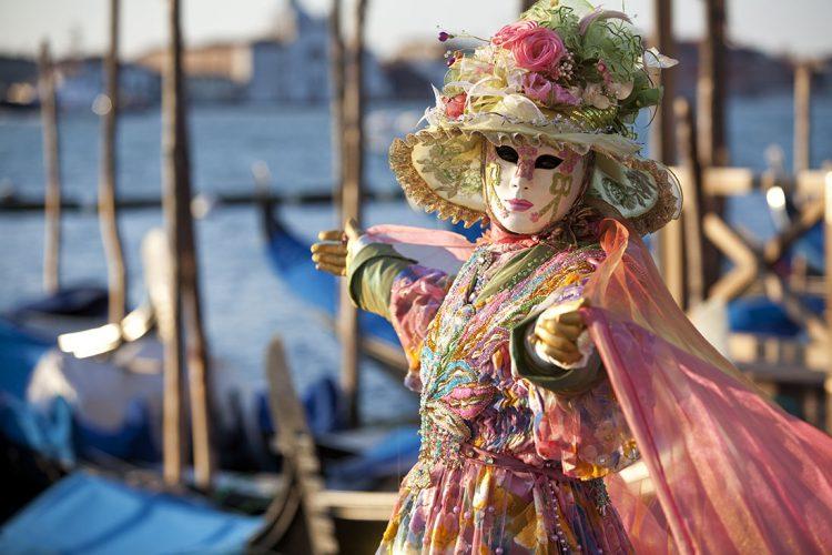 Венецианский карнавал в Италии