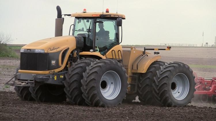 Трактор Challenger MT975B