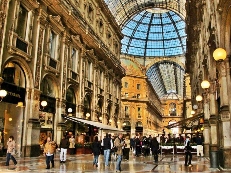 Распродажи и шопинг в Милане