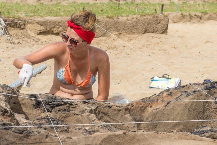 Археологи на раскопках в местах обитания племени Мохэ