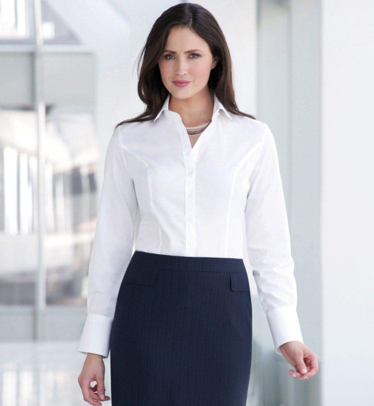 Белая рубашка с юбкой