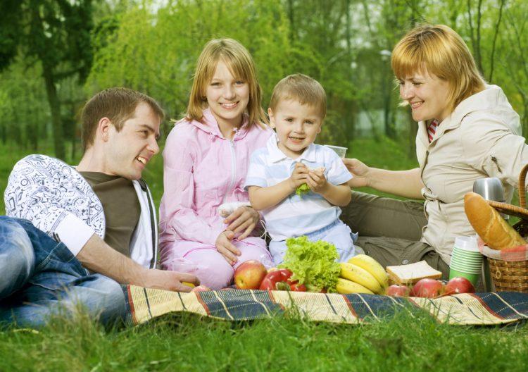 Как отдохнуть всей семьей на природе