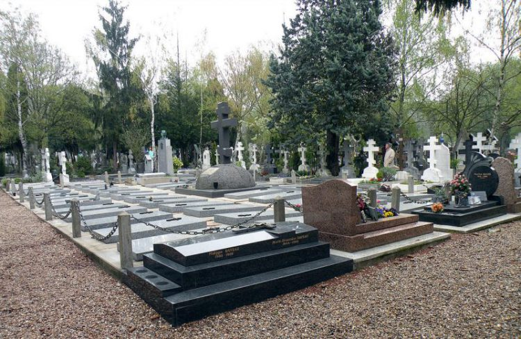 снится кладбище