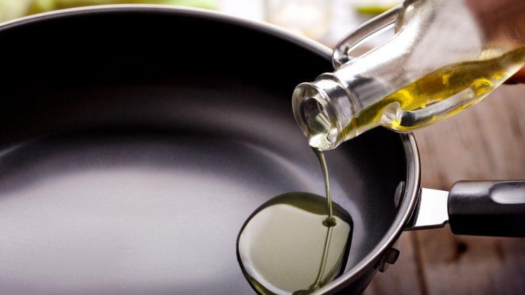 Как жарить на тефлоновой сковороде