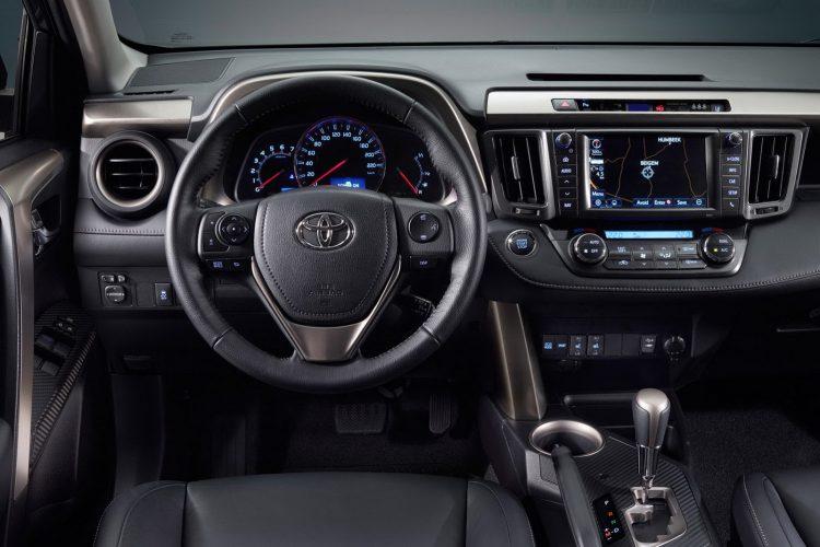 Toyota RAV4 внутри
