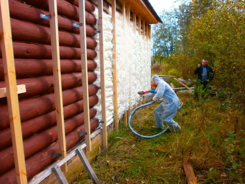 Утепление стен бревенчатого дома