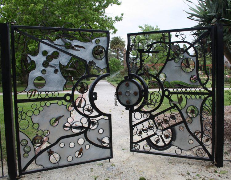 Ажурные ворота распашные