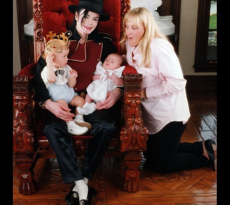 Дебби родила Джексону двоих детей