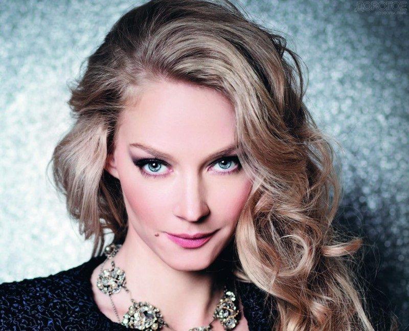 В детстве жила «по средствам», а теперь Ходченкова в списке Форбс