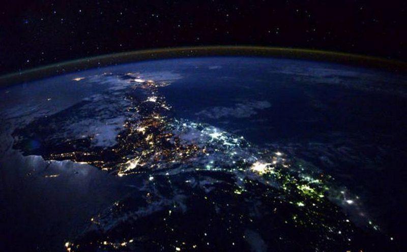 вид планеты из космоса