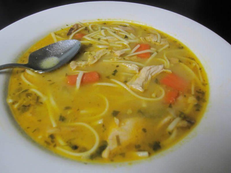куриный суп с лапшей