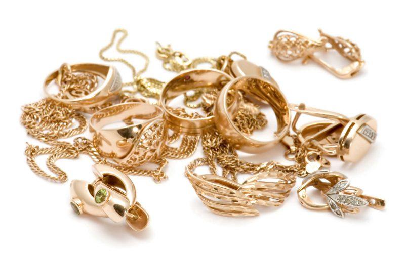 украшение из золота