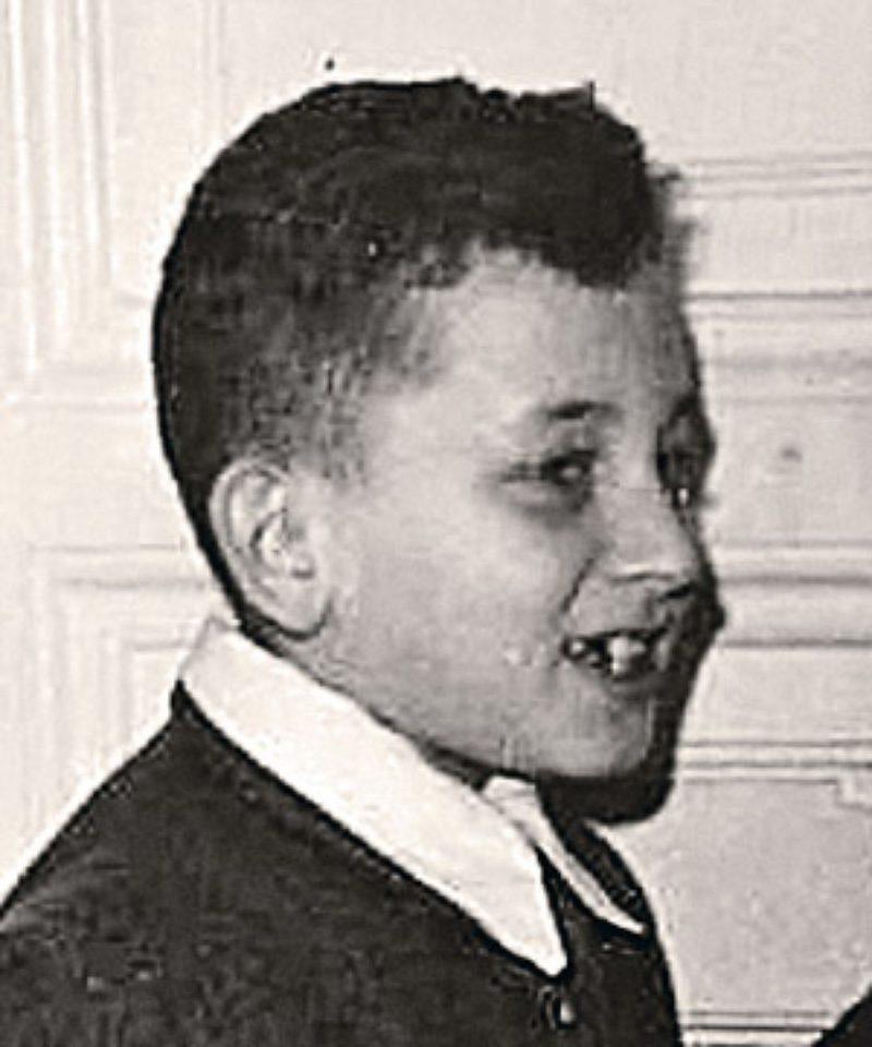школьник Толя Вассерман