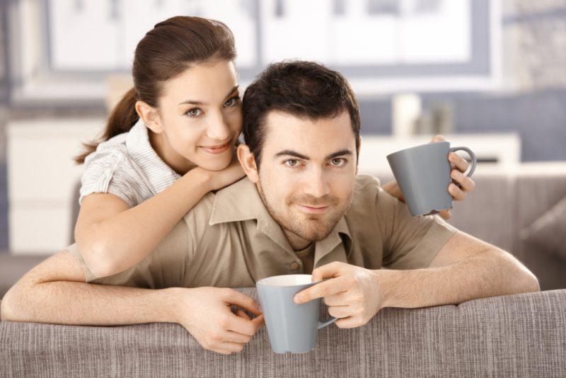 Объятия и кофе