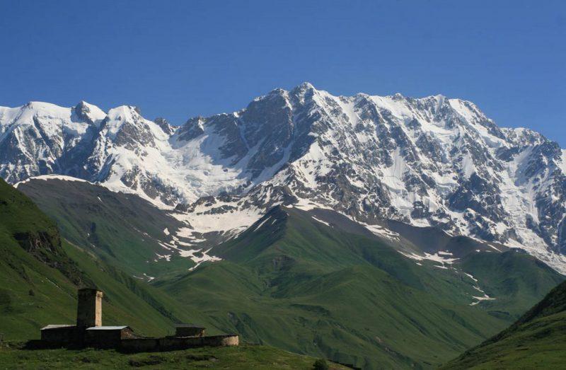 горная вершина Шхара