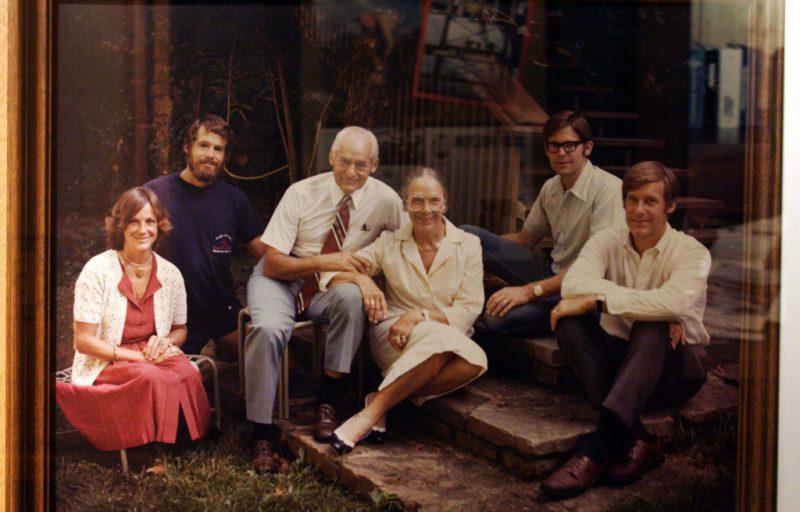 Семья Уолтонов