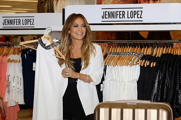 Дженнифер Лопес не только певица, но и дизайнер одежды
