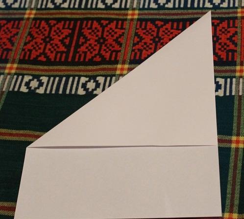 сгибаем лист бумаги
