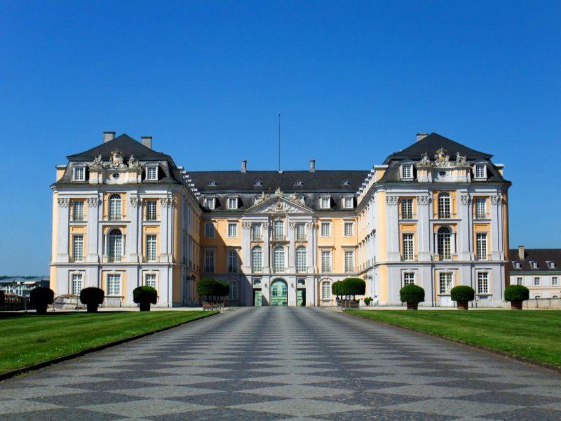 Дворцы Аугустусбург и Фаленклуст