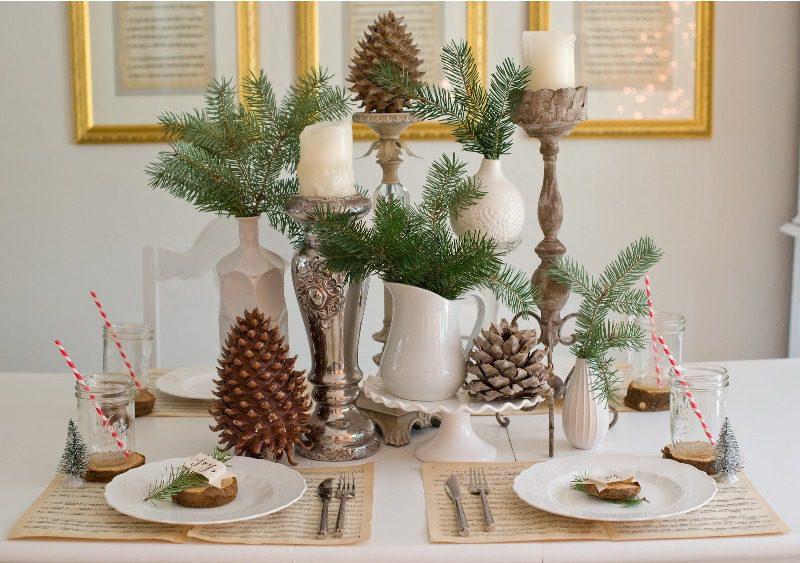 праздничный стол хвойными ветками