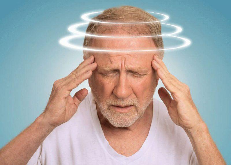 Почему голова кружится