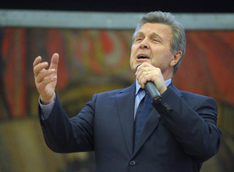 Сколько лет артисту Льву Лещенко?