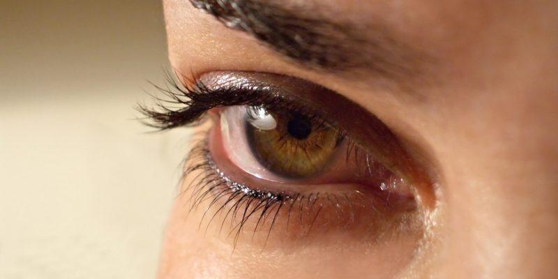 Почему глаз дергается