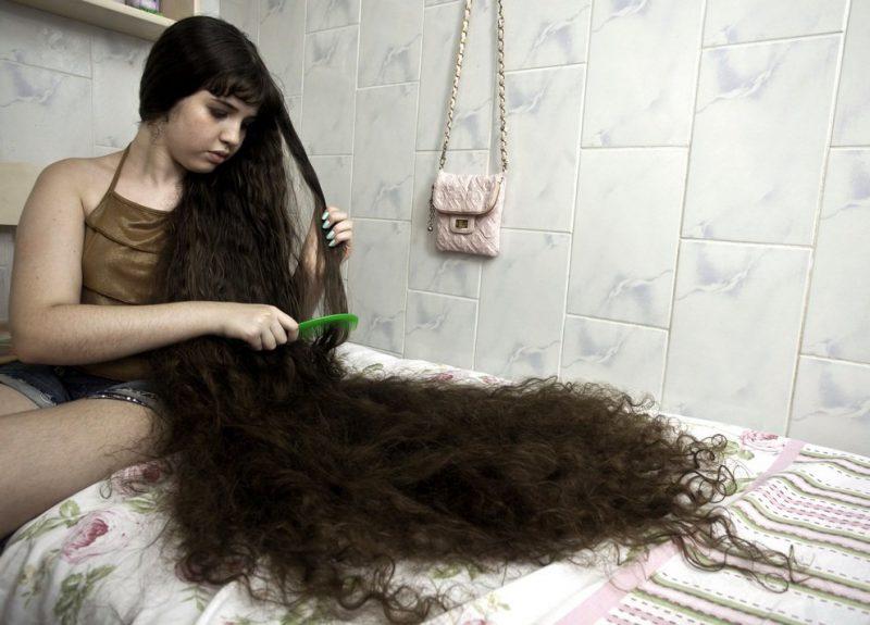 Обладательница самых длинных волос среди детей