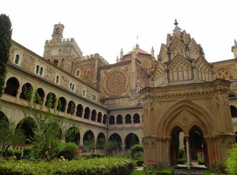 Монастырь Санта-Мария-де-Гуадалупе в Гвадалупе
