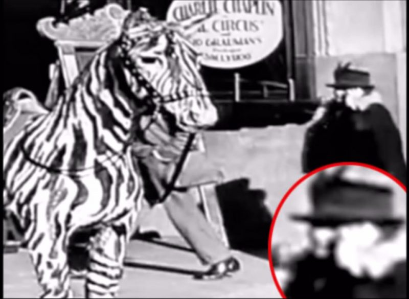 Мобильный телефон во времена Чаплина
