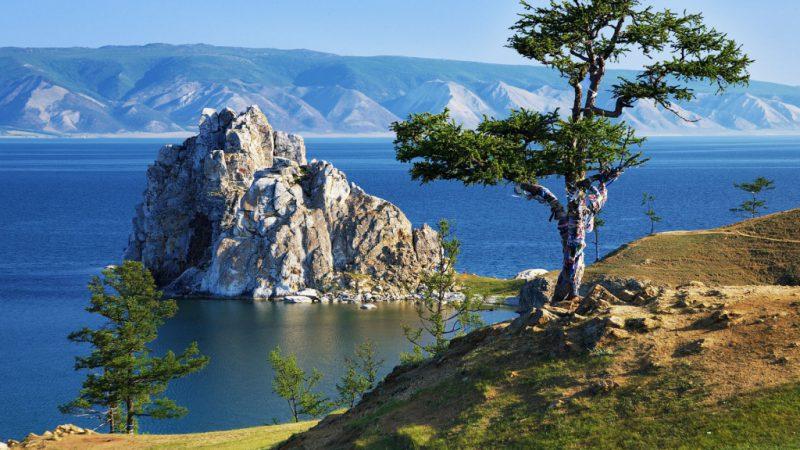 Самое глубокое озеро в России