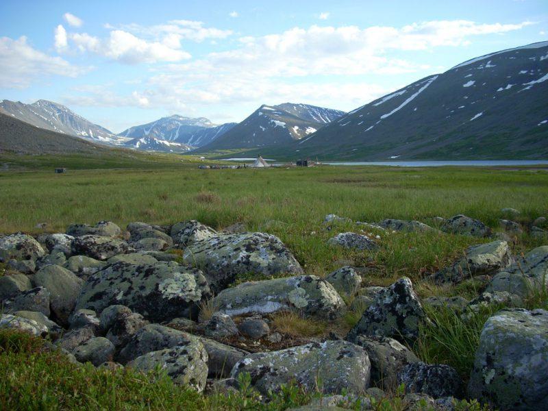 Гора Народная Голубое озеро