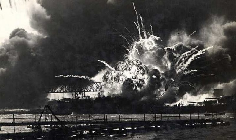взрыв в бомбеи