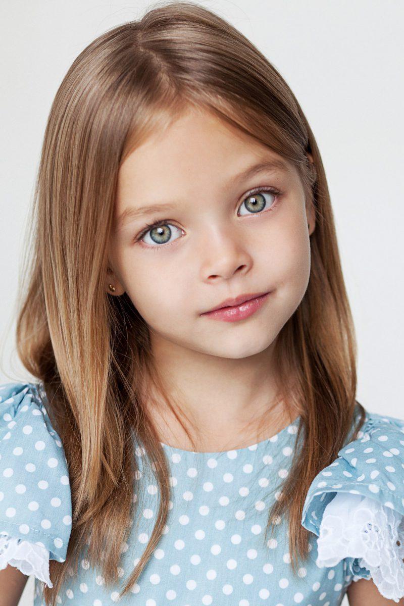 Анна Павага - девочка-модель с улыбкой ангела