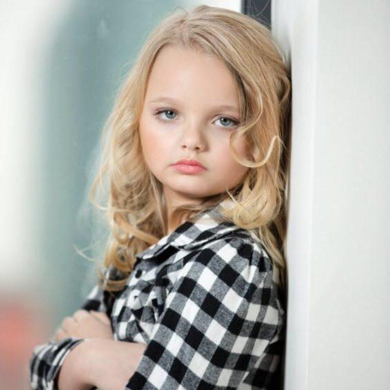 Девочка-модель Айра Браун