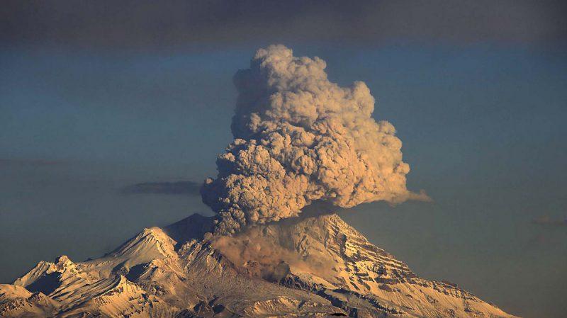 Извержение вулкана Галерас