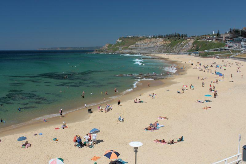 Австралийский пляж Stockton Beach