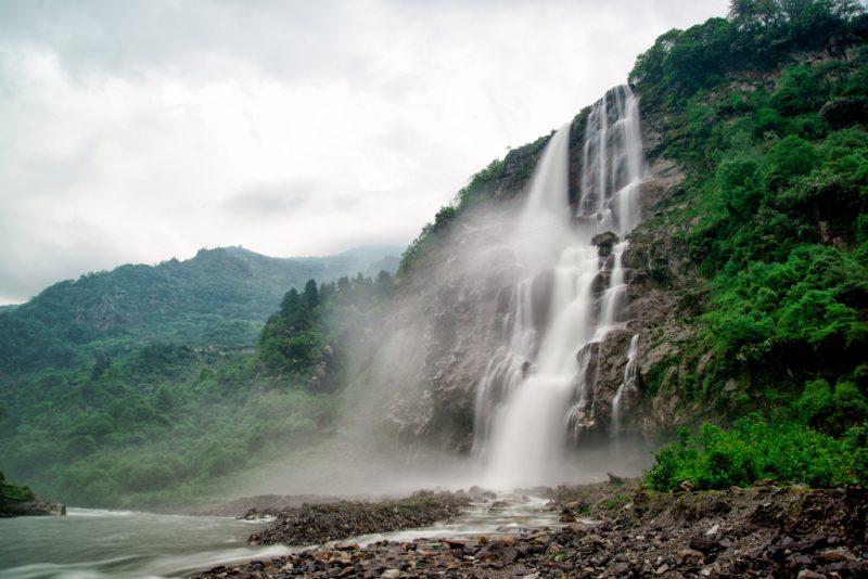 водопад Нуранаг