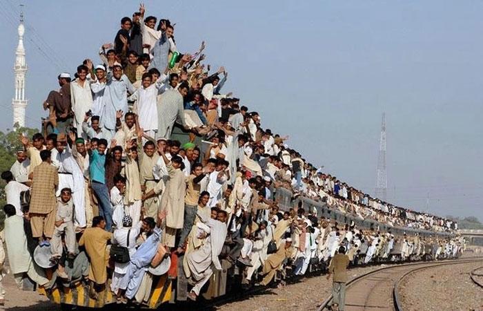 Поезд в Карачи