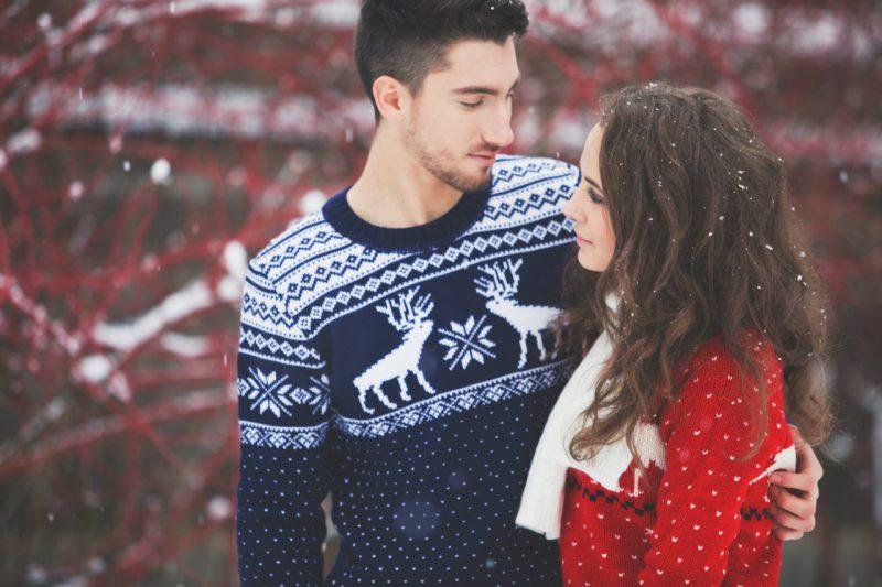 свитер с оленями